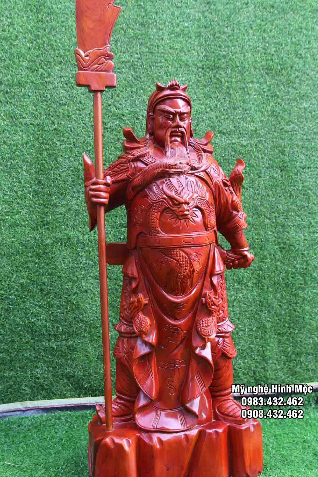 Tượng gỗ Quan Công chống đao