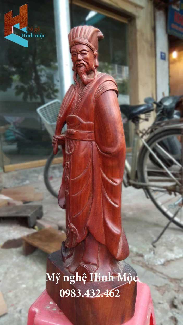 Tượng Khổng Minh gỗ hương