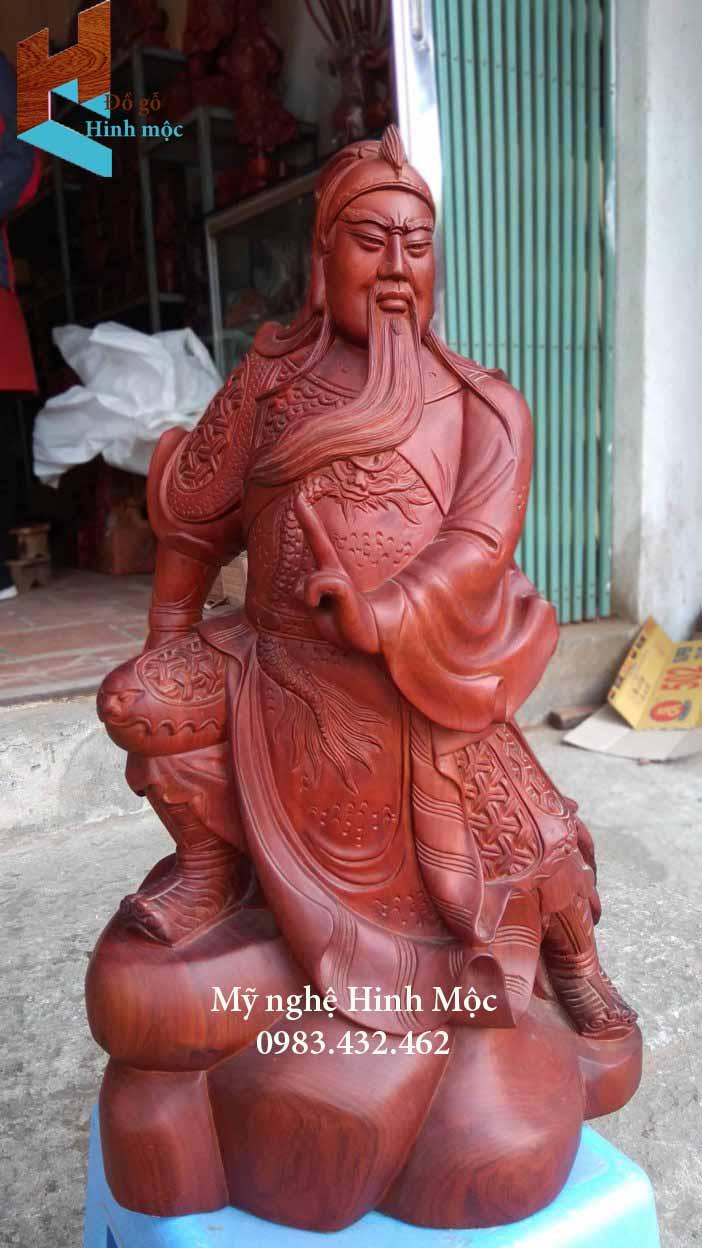 Tượng gỗ Quan thánh trấn ải