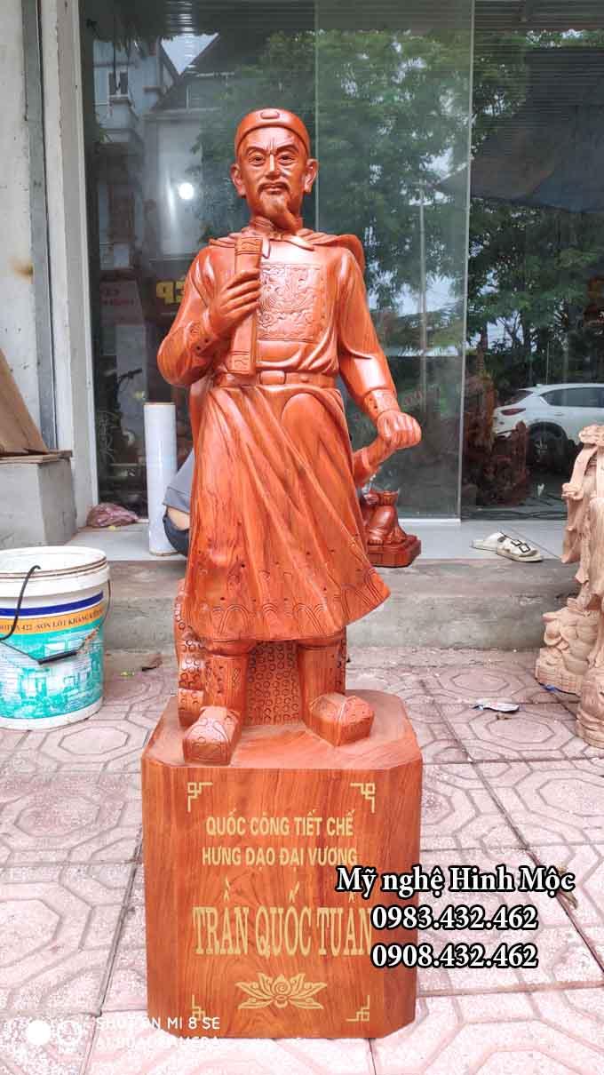 Tượng Trần Hưng Đạo 1m gỗ hương