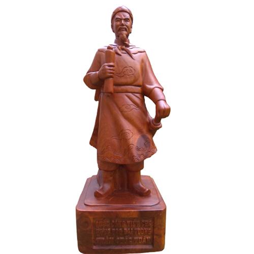 Tượng Trần Hưng Đạo gỗ hương cao 60cm