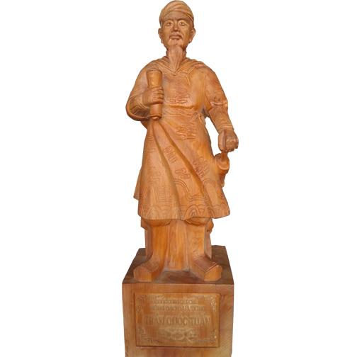 tượng Trần Quốc Tuấn bằng gỗ Ngọc Am