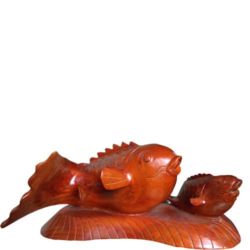 Tượng gỗ cá chép mẫu tử gỗ xà cừ giá rẻ