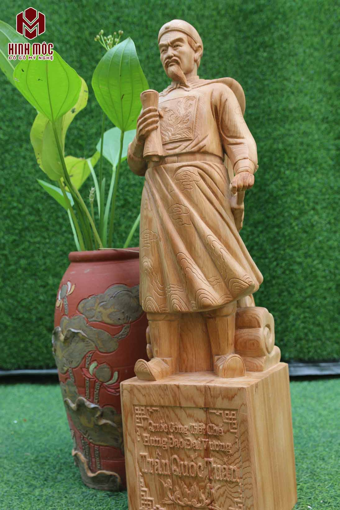 Tượng Trần Hưng Đạo bằng gỗ Ngọc Am