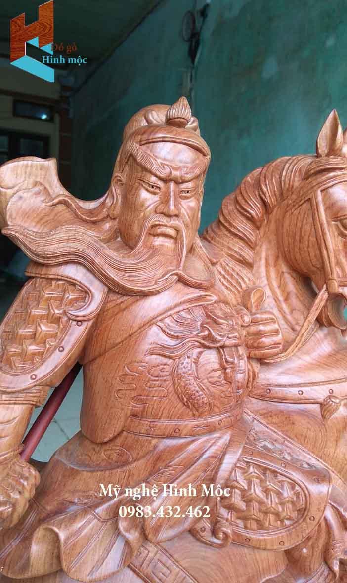 Tượng Quan Công cưỡi ngựa bằng gỗ hương