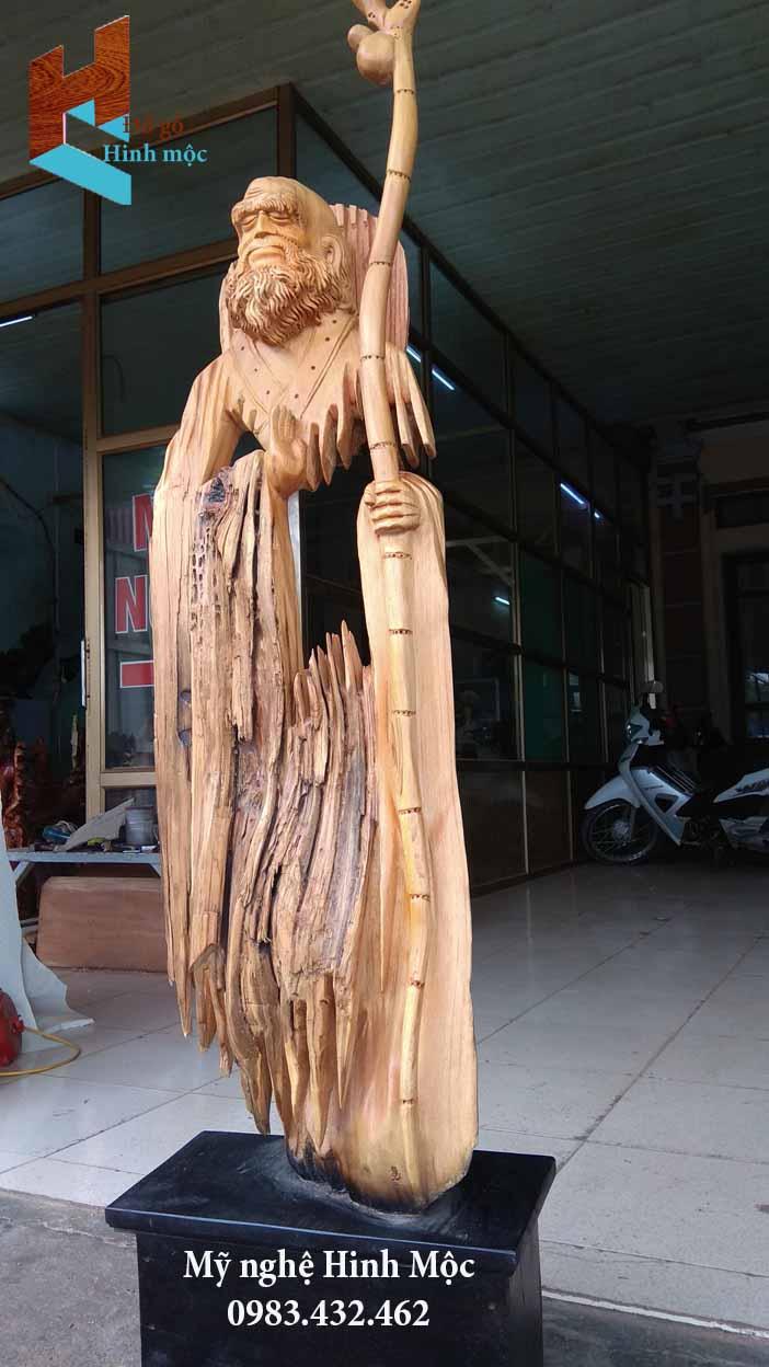 tượng Đạt Ma tâm rỗng gỗ lũa