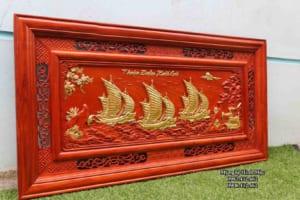 tranh thuyền gỗ hương