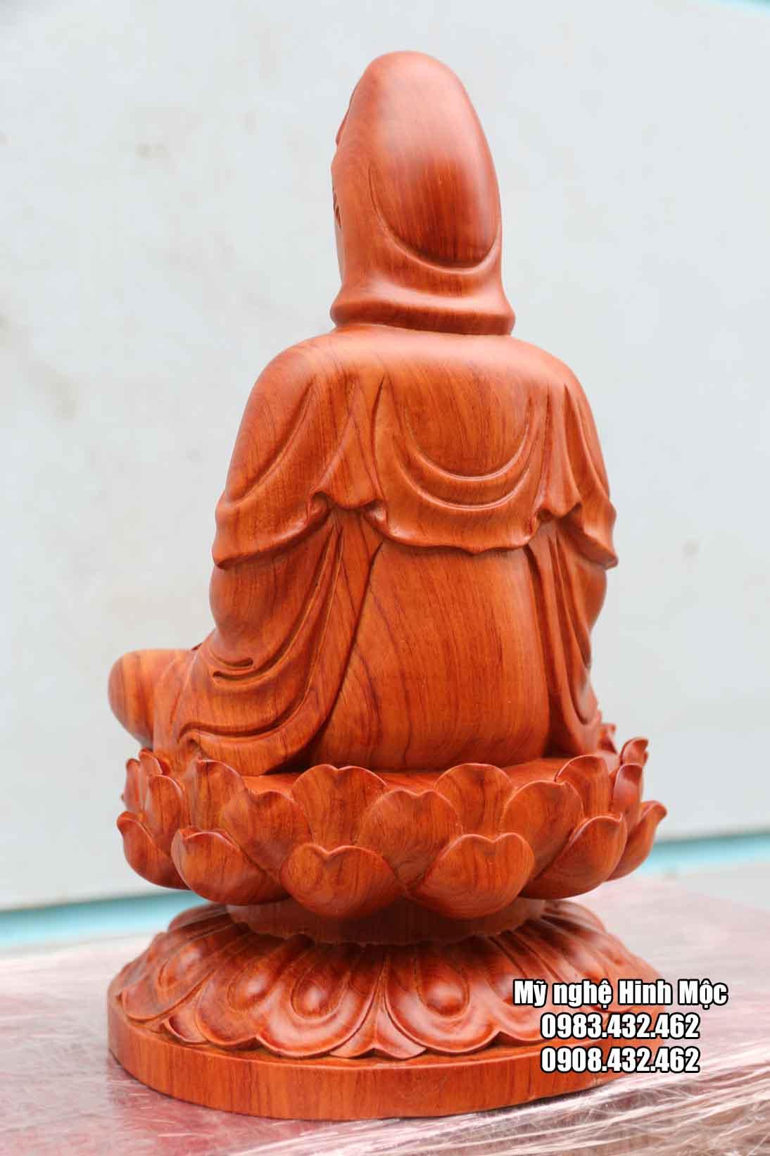 Phật mẹ Quán Thế Âm gỗ hương