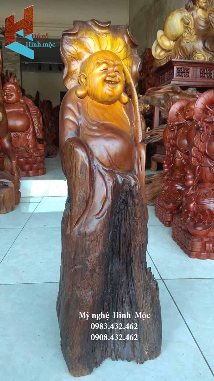 Tượng gỗ Di Lặc đội lá sen