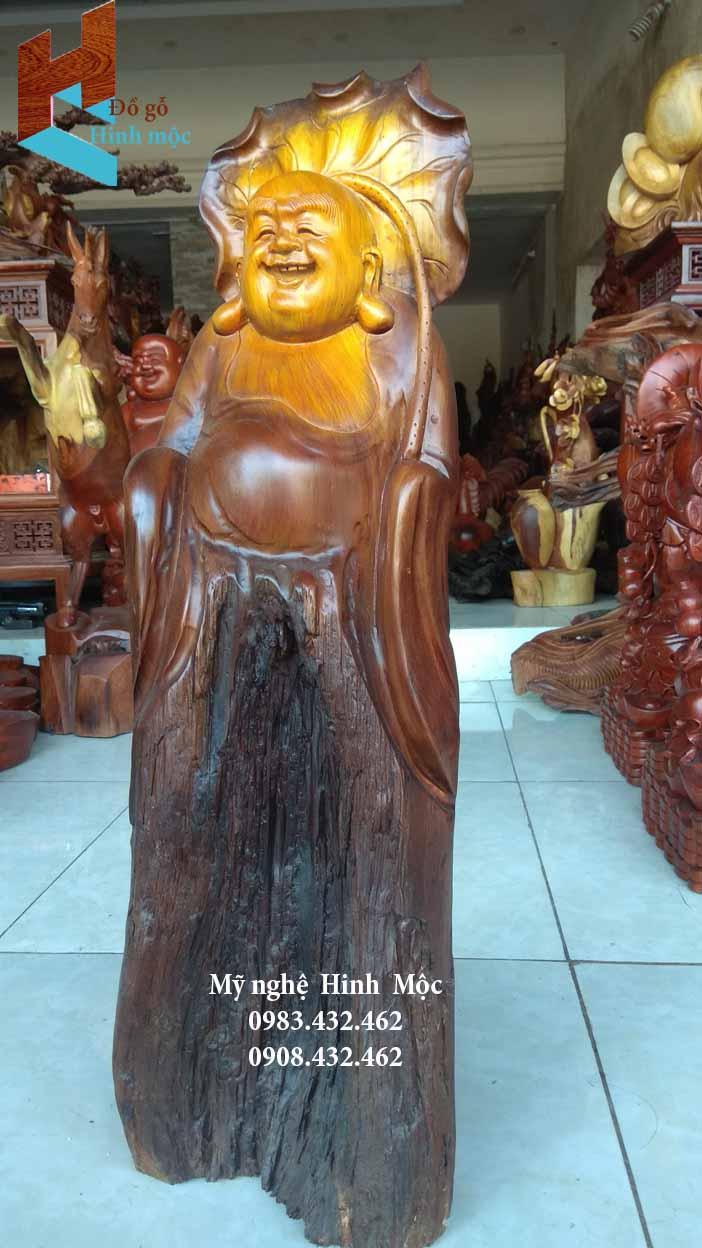 Tượng gỗ Phật Di Lặc cầm cành sen