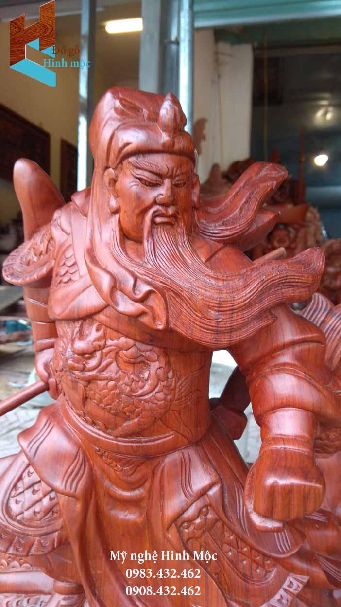 Tượng Quan Vân trường cưỡi rồng