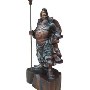 Tượng Quan Công bằng gỗ mun đứng chống đao