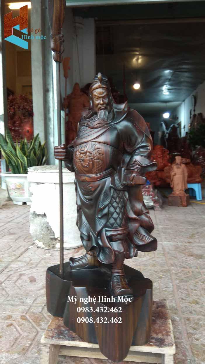 Tượng Quan thánh chống đao gỗ mun