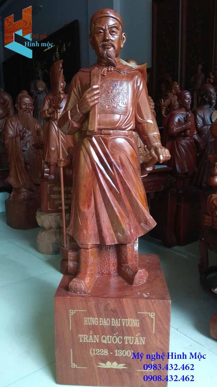 Tượng Đức Thánh Trần gỗ hương