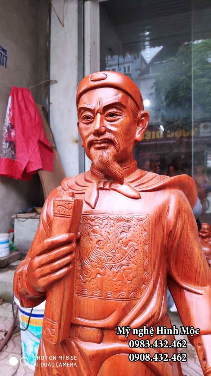Tượng cụ Trần cao 1m gỗ hương