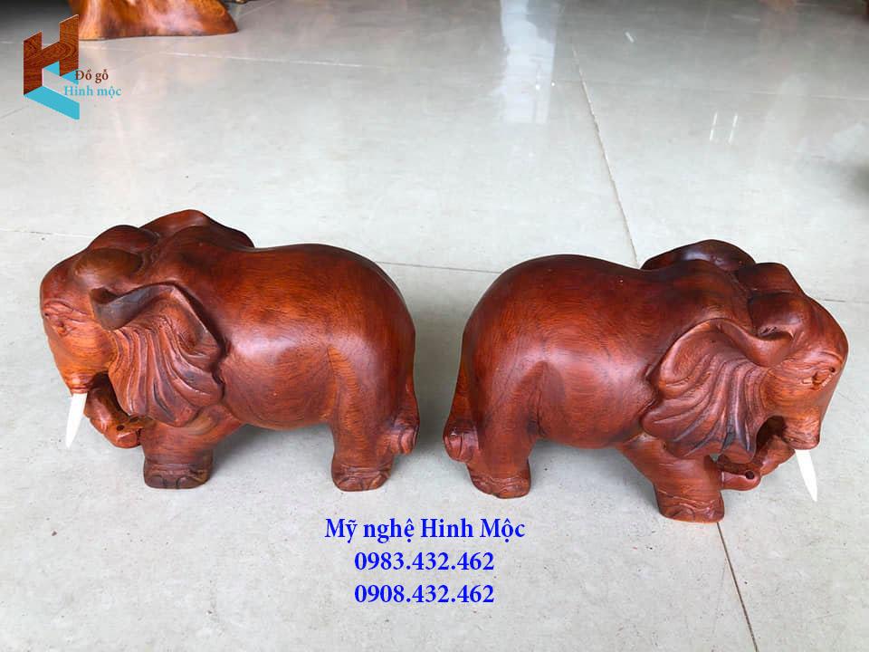 Tượng gỗ đôi voi