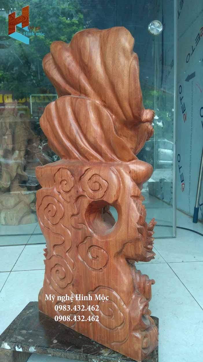 Tượng gỗ Đạt Ma cưỡi rồng