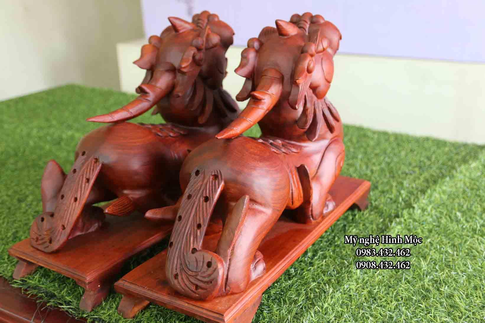 tỳ hưu bằng gỗ hương