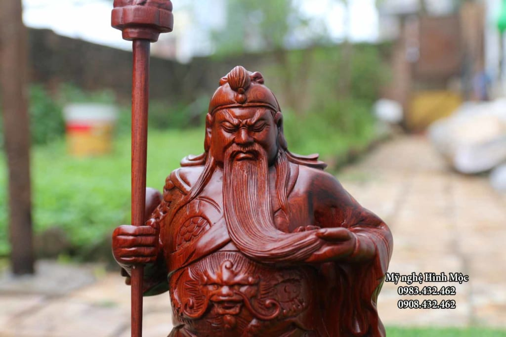 Tượng Quan Công đặt tại tiệm cầm đồ