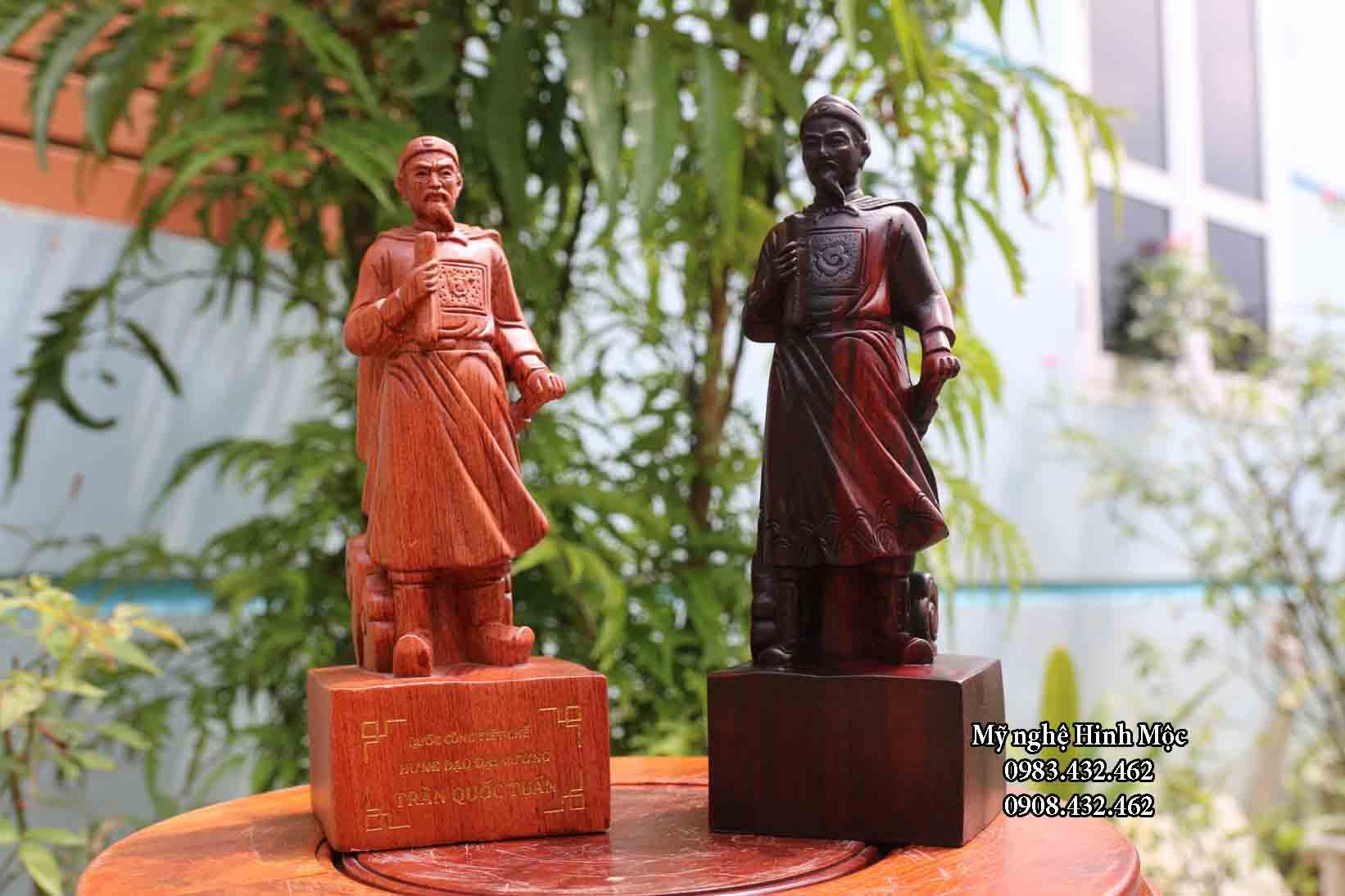 Tượng gỗ Trần Hưng Đạo cao 20cm