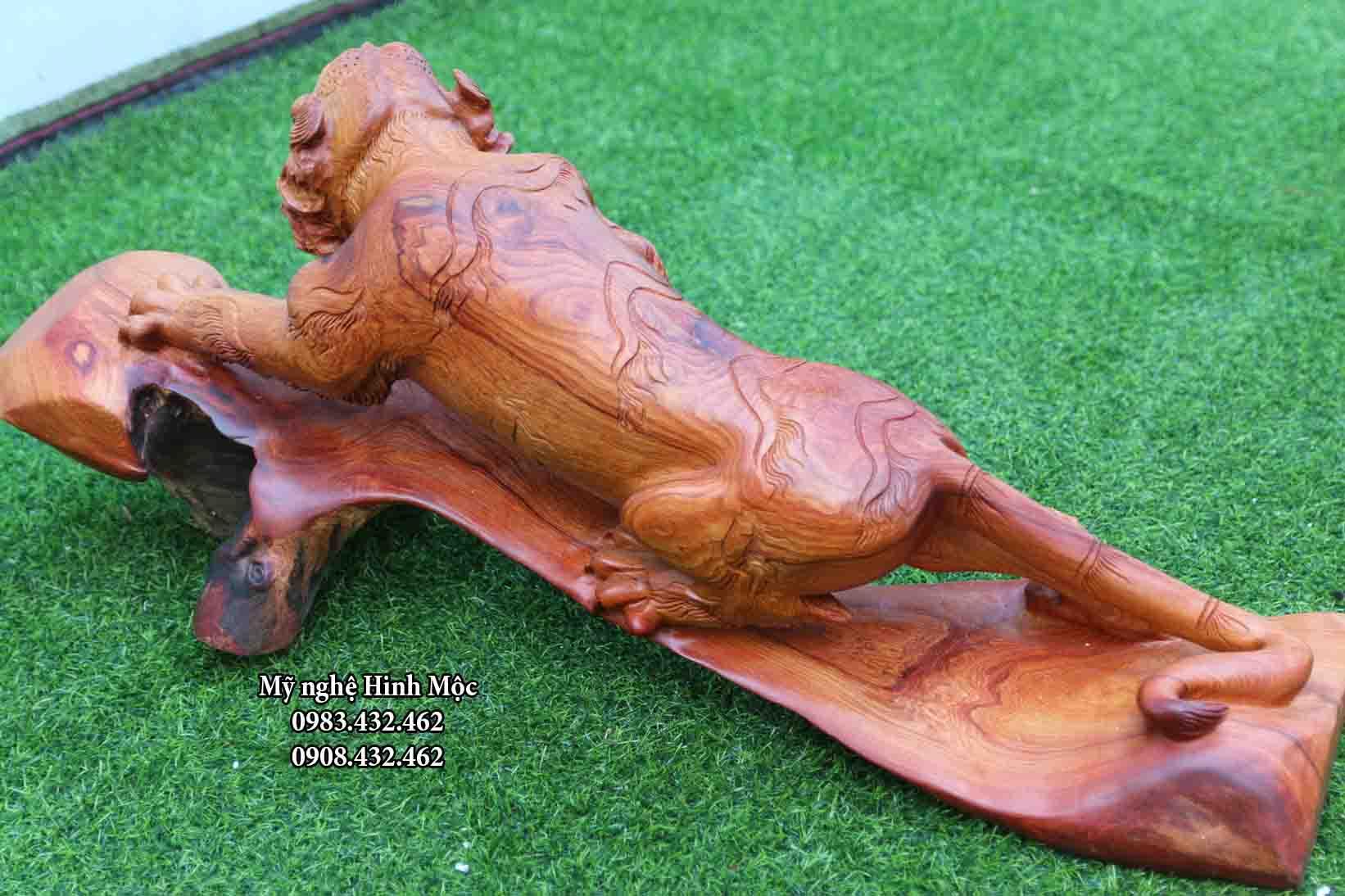 con hổ gỗ