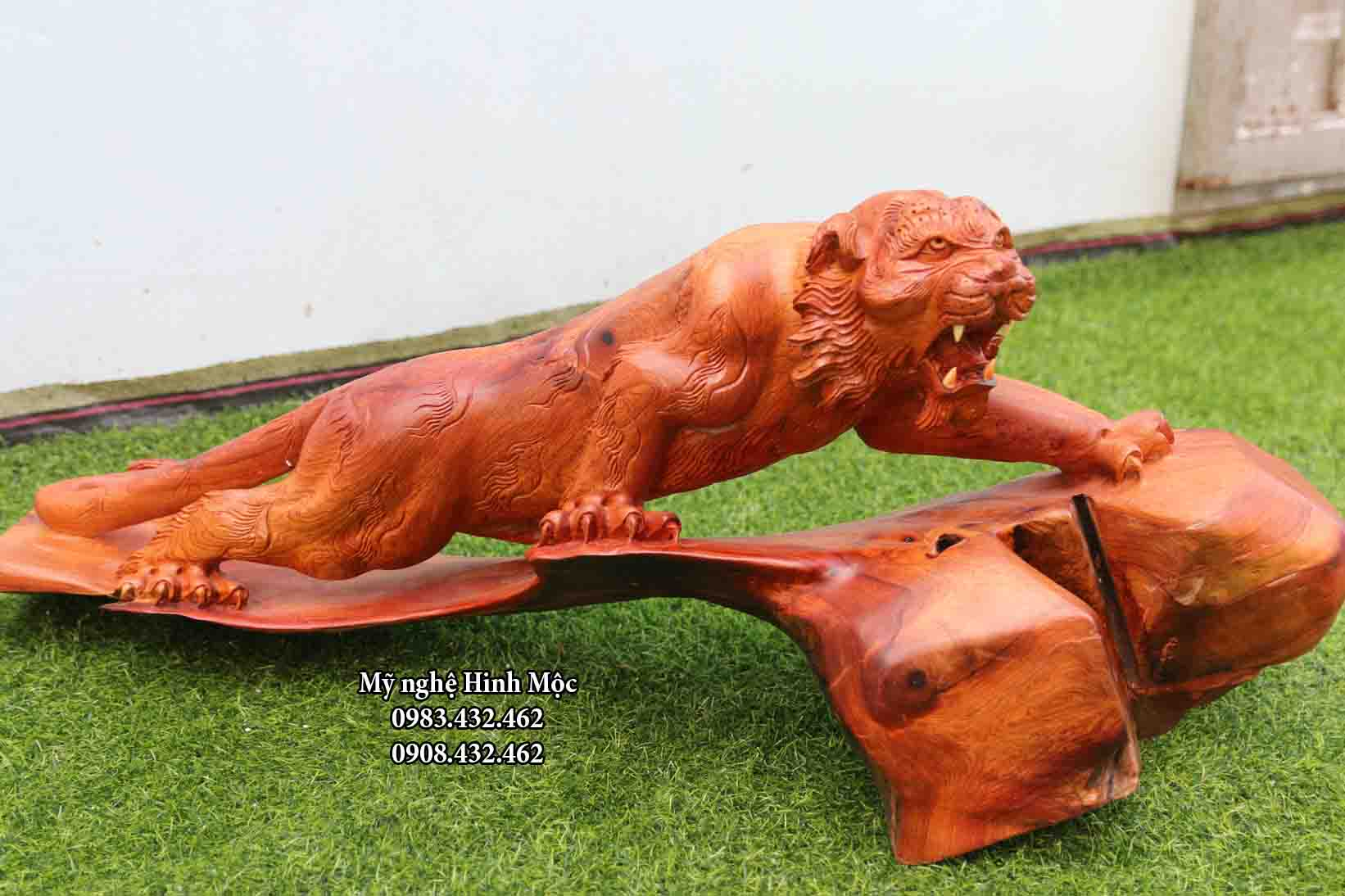 tượng con cọp gỗ phong thủy