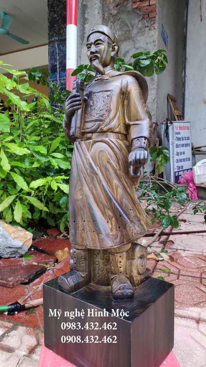 Tượng Trần Quốc Tuấn cao 60cm gỗ mun