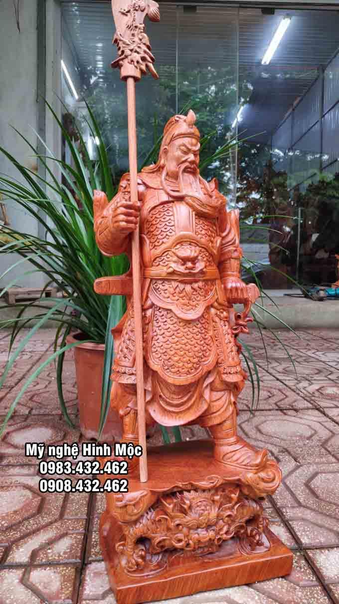 Ông Quan Công cầm đao cao 60cm