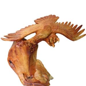 Đại bàng rắn gỗ hương